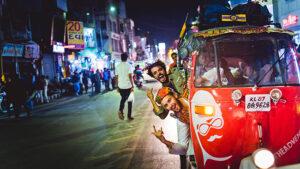 Rickshaw rune through city