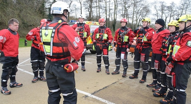 search and rescue team briefing